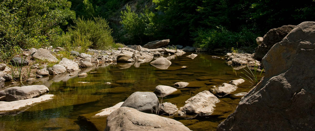 camping-ardeche-bord-de-rivière