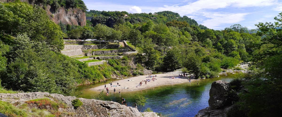 camping-ardeche-eyrieux-min